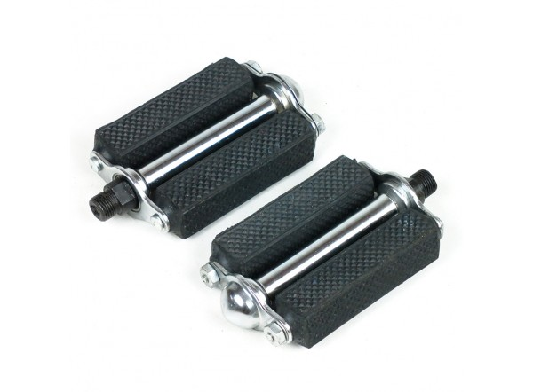 Small diamond pedals without reflector
